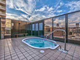 plaza-rooftop-pool