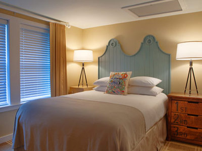 soundings-seaside-resort-bedroom