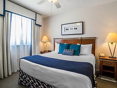 bluegreen-club-36-1bed-deluxe-guest-room1