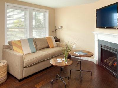 soundings-seaside-living-room