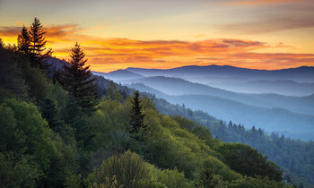 Great Smoky Mountains National Park Scenic Sunrise Landscape at Oconaluftee